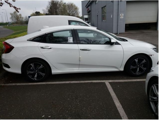 2019 HONDA CIVIC EX SALOON – WHITE-V372